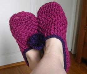PomPom Slippers in Berry Berry