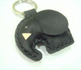 Laura the Elephant Leather Keychain ( Black )