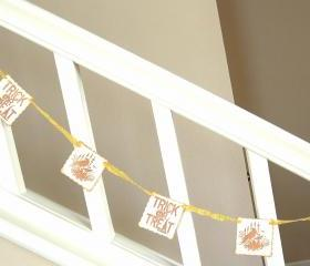 Vintage Inspired Straw Yellow Halloween Garland - 1 yard