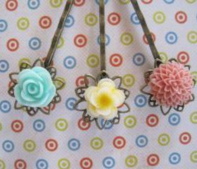 Pretty Flower Hair Bobby Pins