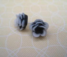 Black and White Flower Post Earrings