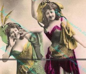 Digital scan 300 dpi Hey Girls there's a party going on - vintage French image