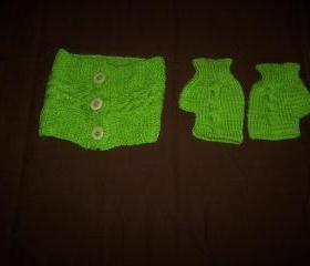 set of Hand Knitted Neckwarmer and fingerless Gloves
