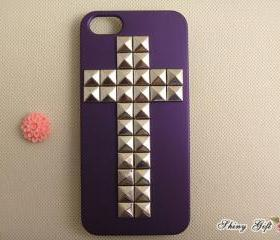Studded iPhone 5 case, silver pyramid studs iPhone 5 case, custom iPhone 5 case, iPhone 5 case cover
