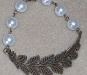 Bracelet Bronze Antiqued Leaf with White Glass Pearls
