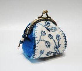Felt coin frame purse Blue White Tulip hand embroidery