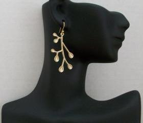 Simple and Elegant Gold Leaf Earrings, Wedding Gift, Bridesmaids Gifts, Christmas Present