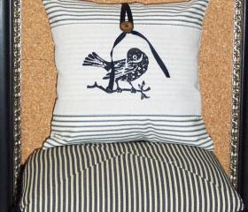 Decorative throw pillow cushion cover with screen print black bird