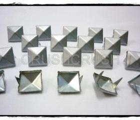 50pcs Grey Pyramid stud Punk ROCK Biker Spikes spots EMO S1413