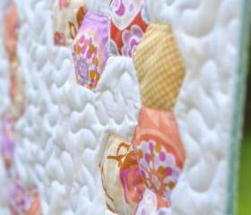 Mini Quilt - Pastel Hexagons - Kitty cat mat - 'Bridges & Balloons'