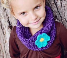 Girls - Crochet Cowl - Neckwarmer - Scarf - Violet with Aqua Flower