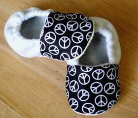Toddler Size - Peace Signs and Grey/Gray Fleece Baby Booties with Non-Slip Soles