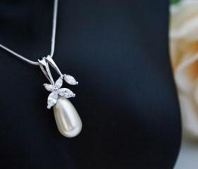 Wedding Jewelry Bridal Necklace Bridesmaid Necklace cubic zirconia flower bail with Cream Swarovski Pearl Tear drop Necklace