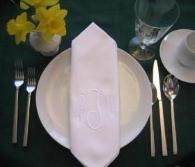 Monogrammed cloth dinner napkins with BUTTONHOLE set of 12
