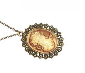 Cameo lady portrait pendant necklace