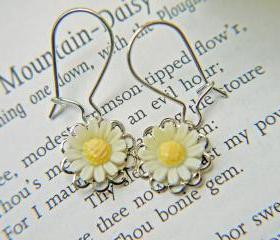 Petite Vintage White Daisy Earrings. Innocence. Loyal Love