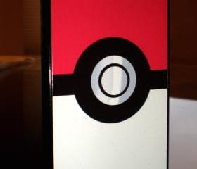 iPhone 4 / 4S Pokemon Chrome Pokeball Hard Case