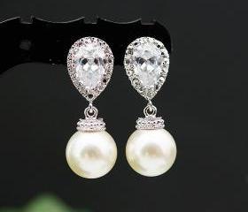 Wedding Jewelry Wedding Earrings Bridal Earrings Bridesmaid Earrings cubic zirconia ear posts with Cream Swarovski Pearl Earrings
