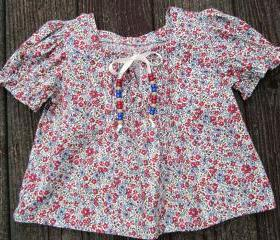 girls casual calico peasant top Size 5
