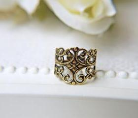 Victorian Style Antique Gold Filigree Ring. Natural Brass. Nikel And Lead Free. For Sensitive Skin