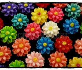 50pcs 11mm Tiny Resin FLOWER Flat Back Cabochons F576
