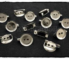 50pcs Silver Plated Blank Round with Pin back .-- C65