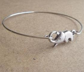 Cute Little Elephant Bangle Bracelet, Simple Everyday Jewelry, Elegant gift, Bridesmaid Gift, Bridal Wedding Jewelry