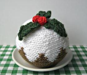 Christmas pudding knitting pattern, toy food or festive decoration, with holly topper, fast free shipping
