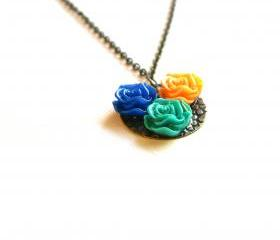 Mixed Colors Flower Cabochon Pendant Necklace