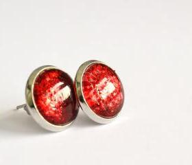 Sparkling red small earrings - round glass cabochon and glitters