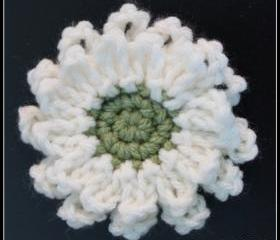 Flower Brooch Crochet Cream and Green