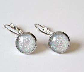Sparkling white small earrings - pastel shades, round glass cabochon and glitters