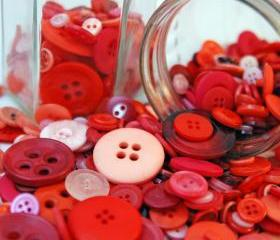 Mixed Red and Pink Buttons- 50g