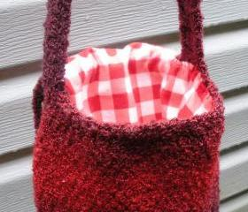 Crochet sholder purse in Strawberry boucle with flannel lining, ready to ship