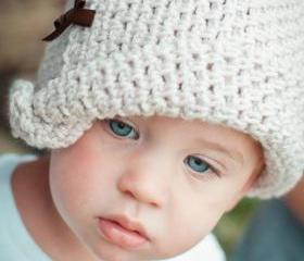 .Little Bow Crochet Hat