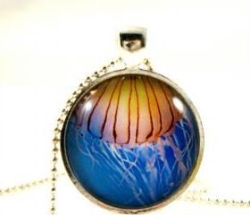 Yellow jellyfish glass pendant necklace-Deep ocean series