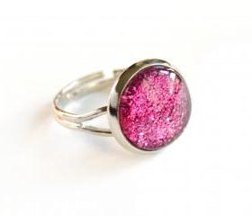 Sparkling fuchsia ring - glass cabochon and glitters
