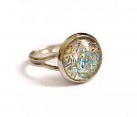 Sparkling iridescent ring - glitters and glass cabochon, adjustable