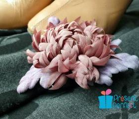 Dusty pink brooch, pink and grey flower, wilted rose coloured floral corsage
