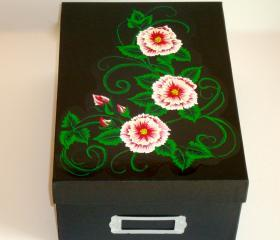 Keepsake/ Photo/ CD/ DVD/ Memory Box With Red Flowers