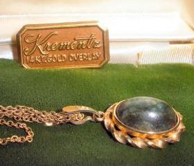 14KT Jade necklace - FREE SHIPPING vintage Krementz - in original box