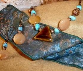 Beaded necklace and earrings - Bamboo Agate and Golden Jade with Turquoise
