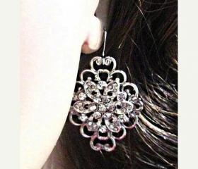 Wedding Earrings, Intense Sparkle Flower , Bridal Jewelry