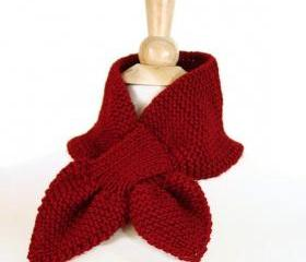 Knit scarf - keyhole scarf scarflette cranberry red