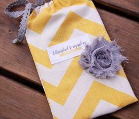5 Custom Gift Bags -Perfect for wedding favors