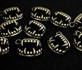 40pcs Antique Brass Vampire Teeth Fangs Twilight Charms Pendants PND-398