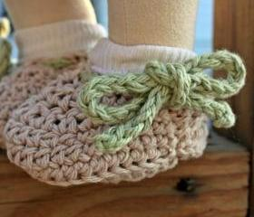 Crochet baby shoes booties - Beige green cotton custom