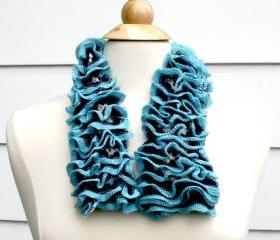 knit scarf scarflette cowl ruffle blue white