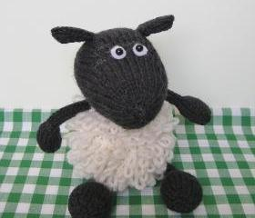 Loopy Sheep toy animal knitting pattern pdf