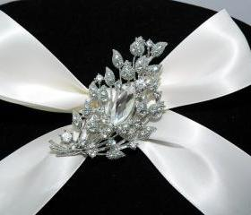 Wedding Bridal Brooch Pin - Wedding Crystal Brooch - Diamante Wedding Jewellery - Flowe